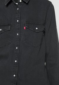 Levi's® - ESSENTIAL WESTERN - Button-down blouse - black sheep - 4