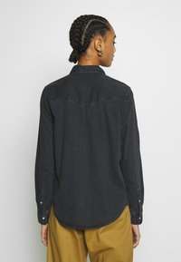 Levi's® - ESSENTIAL WESTERN - Button-down blouse - black sheep - 2