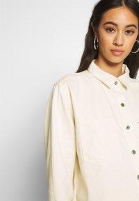 Levi's® - GRACIE SHIRT - Button-down blouse - ecru - 4