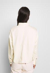 Levi's® - GRACIE SHIRT - Button-down blouse - ecru - 2