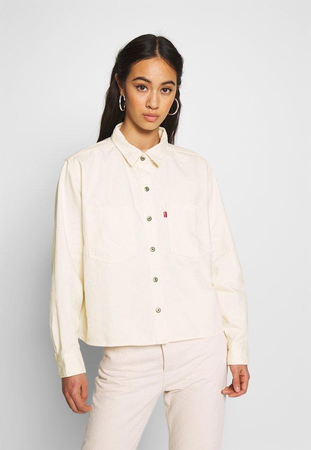 GRACIE SHIRT - Button-down blouse - ecru
