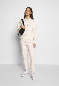 Levi's® - GRACIE SHIRT - Button-down blouse - ecru - 1