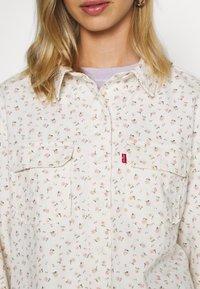 Levi's® - OLSEN UTILITY - Skjorte - off-white - 5