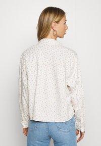 Levi's® - OLSEN UTILITY - Skjorte - off-white - 2