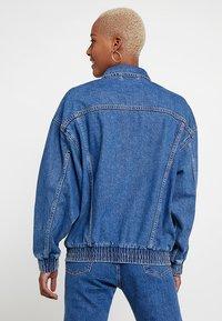 Levi's® - DAD SPORT TRUCKER - Giacca di jeans - dark-blue denim - 2