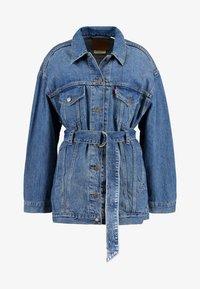 Levi's® - BELTED TRUCKER - Giacca di jeans - blue denim - 4