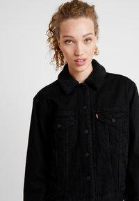 Levi's® - SHERPA TRUCKER - Denim jacket - forever black - 3