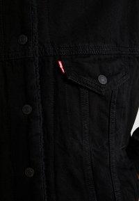 Levi's® - SHERPA TRUCKER - Spijkerjas - forever black - 6