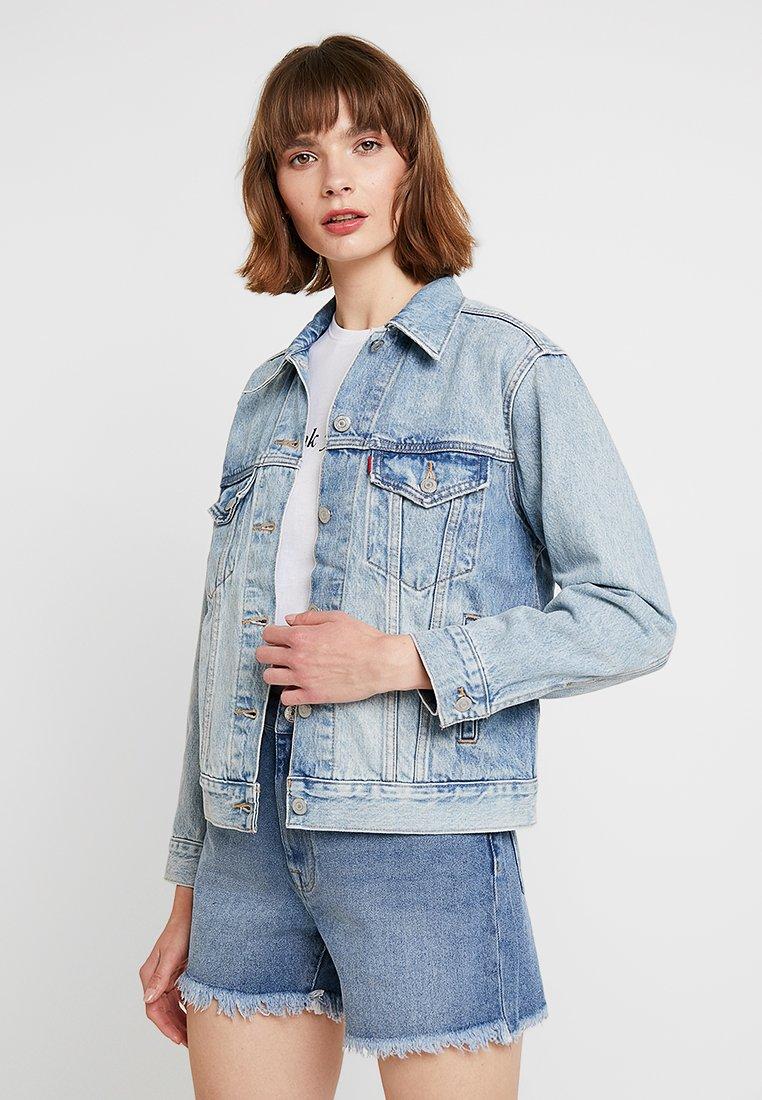 Levi's® - EX-BOYFRIEND TRUCKER - Denim jacket - blue denim