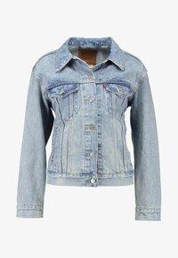 Levi's® - EX-BOYFRIEND TRUCKER - Denim jacket - blue denim - 4