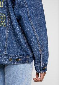 Levi's® - DAD TRUCKER - Jeansjakke - blue denim - 4