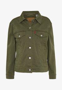 Levi's® - EX-BOYFRIEND TRUCKER - Kurtka jeansowa - tensile olive - 5