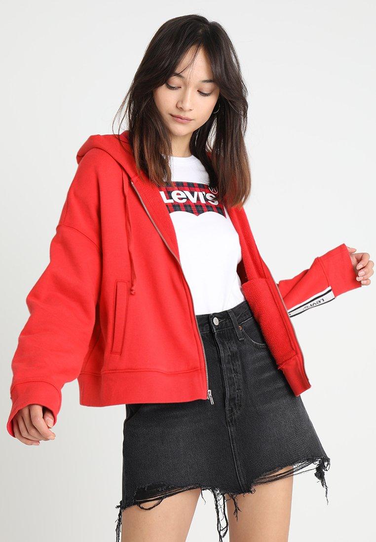 Levi's® - LOGO TRIM HOODIE - Sweatjacke - lychee red