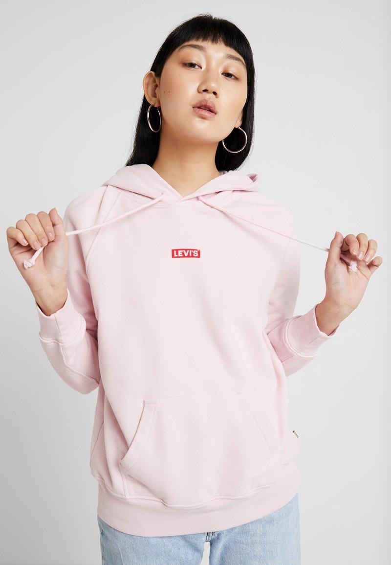 Levi's® - GRAPHIC SPORT HOODIE - Hoodie - baby tab pink lady