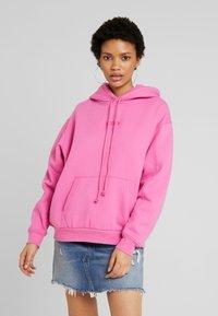 Levi's® - UNBASIC HOODIE - Felpa con cappuccio - pink - 0
