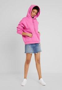 Levi's® - UNBASIC HOODIE - Felpa con cappuccio - pink - 1