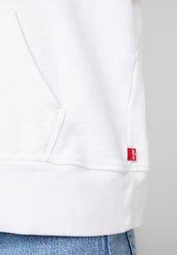 Levi's® - GRAPHIC HOODIE - Hoodie - hsmk outline hoodie white - 5