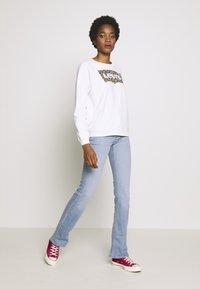 Levi's® - RELAXED GRAPHIC CREW - Sweatshirt - white - 1