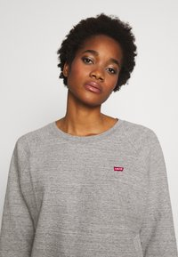 Levi's® - RELAXED CREW NEW - Collegepaita - smokestack heather - 3