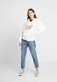 Levi's® - GRAPHIC HOODIE - Sweat à capuche - white - 1