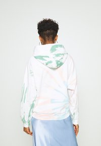 Levi's® - GRAPHIC HOODIE - Hoodie - white/multi-coloured - 2