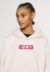 Levi's® - GRAPHIC HOODIE - Bluza z kapturem - peach blush - 3