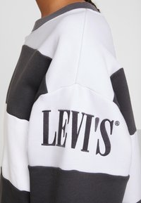 Levi's® - DIANA CREW - Sweater - haley forged iron/white - 5