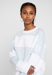Levi's® - DIANA CREW - Sweater - haley baby blue/white - 3