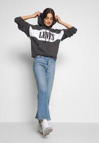 Levi's® - CAMERON HOODIE - Bluza z kapturem - mottled dark grey - 1