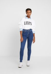 Levi's® - GRAPHIC DIANA CREW - Sweatshirt - white - 1