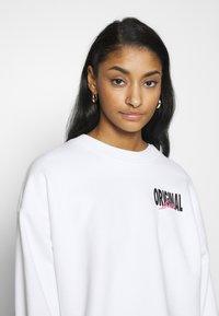 Levi's® - GRAPHIC DIANA CREW - Sweatshirt - original white - 3