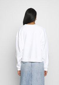 Levi's® - GRAPHIC DIANA CREW - Sweatshirt - original white - 2