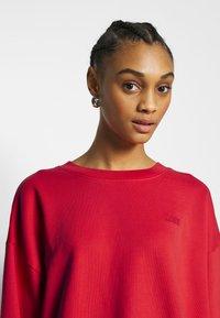 Levi's® - DIANA CREW - Sweater - ultra soft tomato - 3