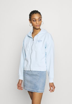 GRAPHIC ZIP SKATE HOODIE - veste en sweat zippée - crop zip hoodie cali box tab garment dye baby blue
