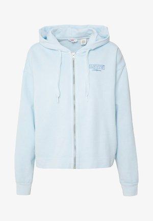 GRAPHIC ZIP SKATE HOODIE - veste en sweat zippée - crop zip hoodie cali box tab garment dye baby blue