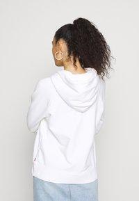 Levi's® - GRAPHIC SPORT HOODIE - Jersey con capucha - white - 2