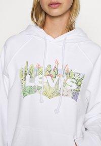 Levi's® - GRAPHIC SPORT HOODIE - Huppari - white - 5