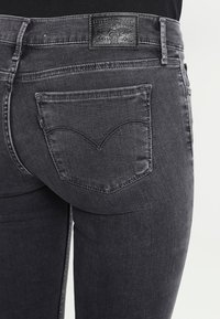 Levi's® - INNOVATION SUPER SKINNY - Jeans Skinny Fit - fancy that