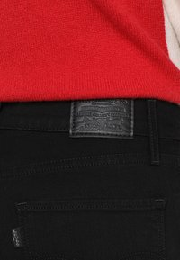 Levi's® - 724 HIGH RISE STRAIGHT - Jeans straight leg - black sheep - 4