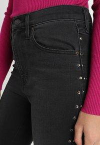 Levi's® - MILE HIGH SUPER SKINNY - Jeans Skinny Fit - black denim - 5
