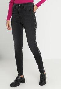 Levi's® - MILE HIGH SUPER SKINNY - Jeans Skinny Fit - black denim - 0