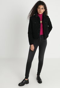 Levi's® - MILE HIGH SUPER SKINNY - Jeans Skinny Fit - black denim - 2