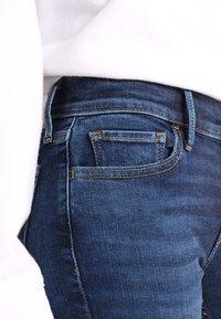 Levi's® - INNOVATION SUPER SKINNY - Skinny džíny - dark-blue denim - 4