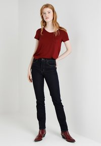 Levi's® - 724™ HIGH RISE STRAIGHT - Jeansy Straight Leg - to the nine - 1