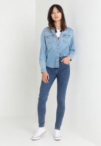 Levi's® - MILE HIGH SUPER SKINNY - Jeans Skinny Fit - blue denim - 2