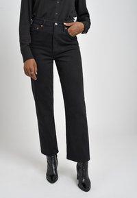 Levi's® - RIBCAGE STRAIGHT ANKLE - Straight leg -farkut - black heart - 0