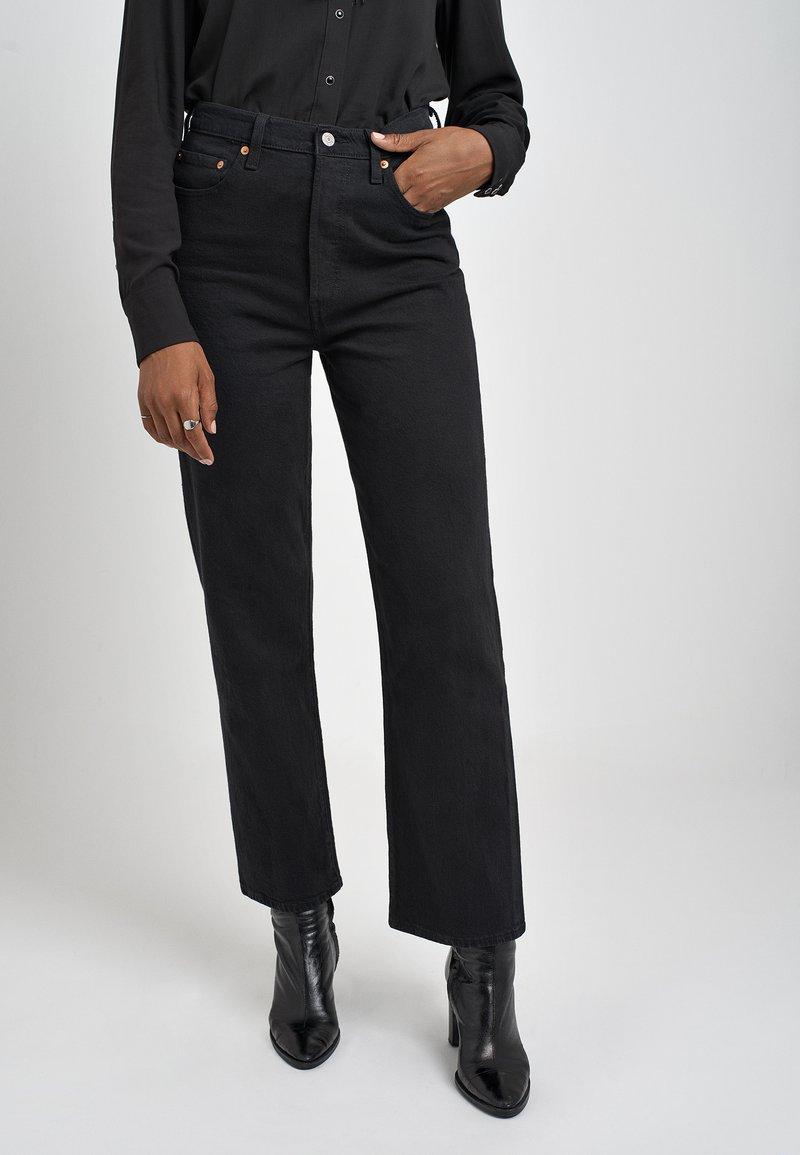 Levi's® - RIBCAGE STRAIGHT ANKLE - Straight leg -farkut - black heart