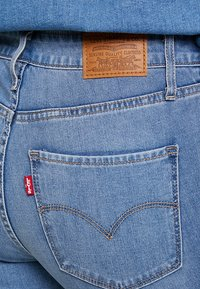Levi's® - 721™ HIGH RISE SKINNY WHITE DENIM - Jeans Skinny Fit - steal my sunshine - 4