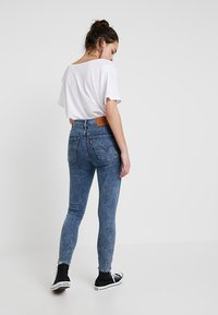 Levi's® - LEVI'S® EXTRA MOTO MH ANKLE T3 - Jeans Skinny Fit - just for kicks t2 - 2
