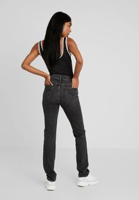 Levi's® - 724™ HIGH RISE STRAIGHT - Jeans Straight Leg - end of the road - 2